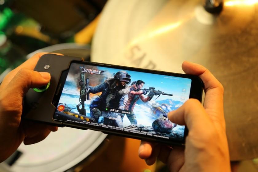 मोबाइल गेमिंगको नयाँ युग - उच्च ग्राफिक्सको गेम मोबाइलमै
