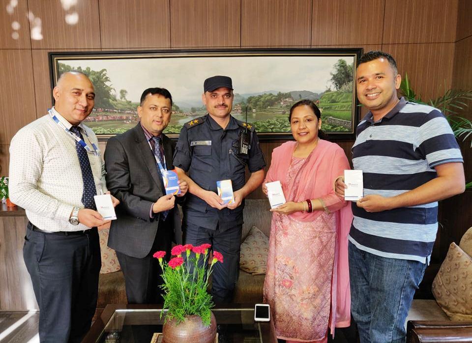 मेगा बैंकबाट नेपाल प्रहरीलाई डायरी सहयोग